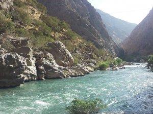 Îran û Îraq hewil didin avê li ser başûrê Kurdistanê biçîkinin