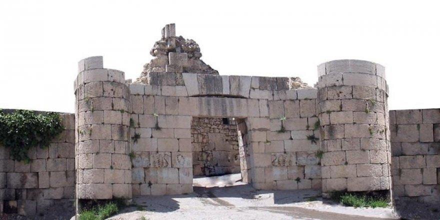 Mîrzayên Merwanîyên Kurd û Zanyarên Asûr -1