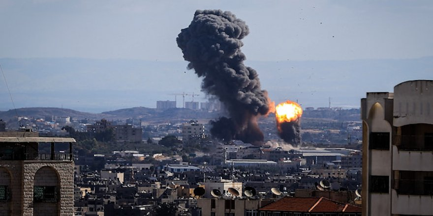 Îsraîlî dormeleyê Teyaragehê Şamî bombarduman kerd, 7 kesî kişîyayî
