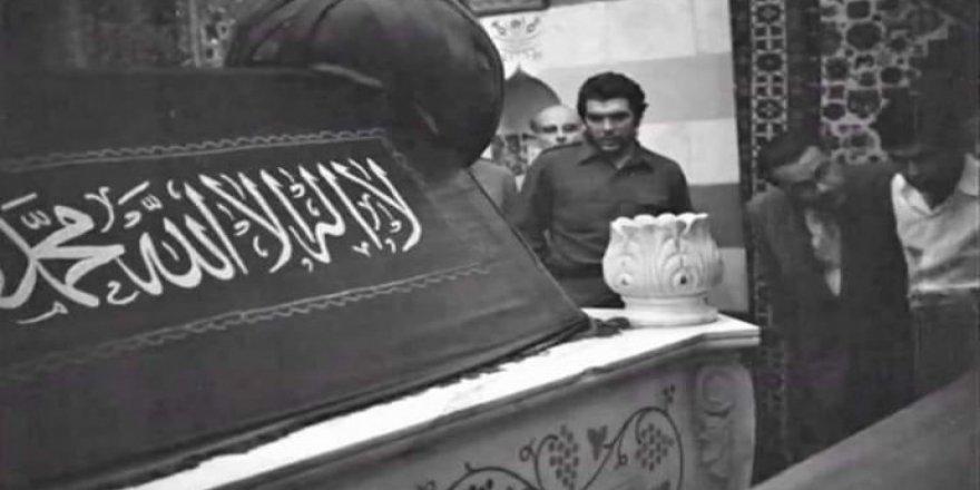 """""""Che Guevara Şam de goristanê Selahaddîn Eyyûbî El Kurdî zîyaret kerd"""""""