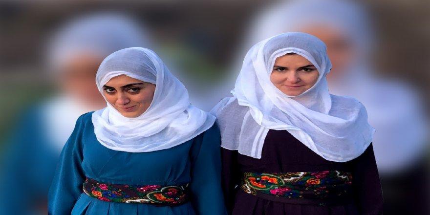 'Bê Henek' zimanê kurdî geş dike!