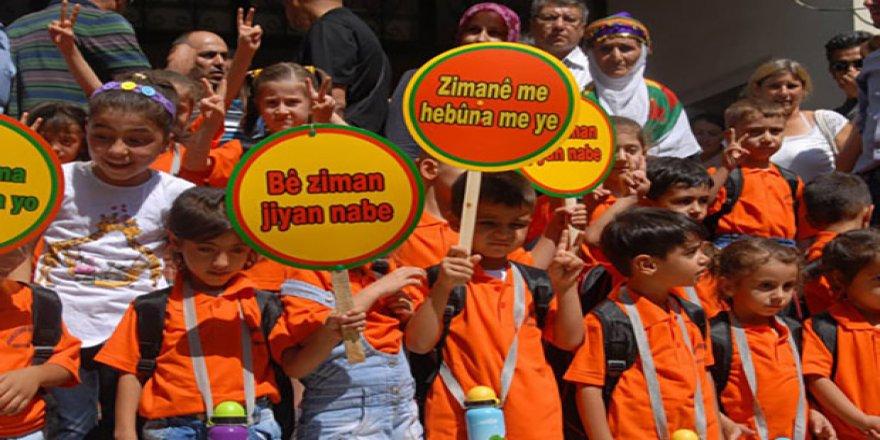 Li Bakurê Kurdistanê her ku diçe Kurd ji zimanê xwe dûr dikevin