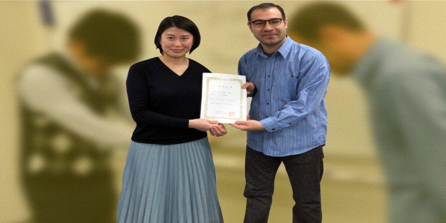 Xwendekarên japon sertîfîkayên kurdî wergirtin