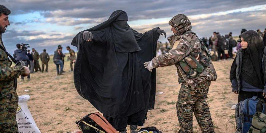 Fransa: 13 jinên Fransî yên DAIŞê ji kampên Rojavayê Kurdistanê revîyan!