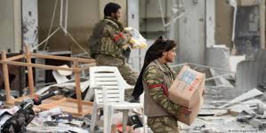 Fermandarekî grûpên çekdar: Di nava mehekê de çekdar ji Efrînê derdikevin