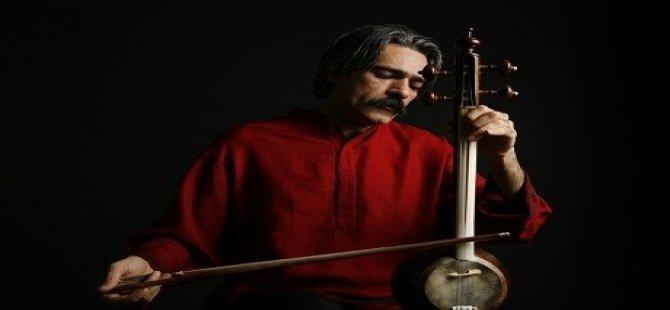 Hunermendê kurd Kêyhan Kelhor xelata Grammy wergirt