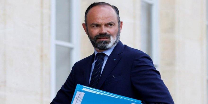 Serekwezîrê Fransa îstîfa kerd, yewna ame wezîfedarkerdiş