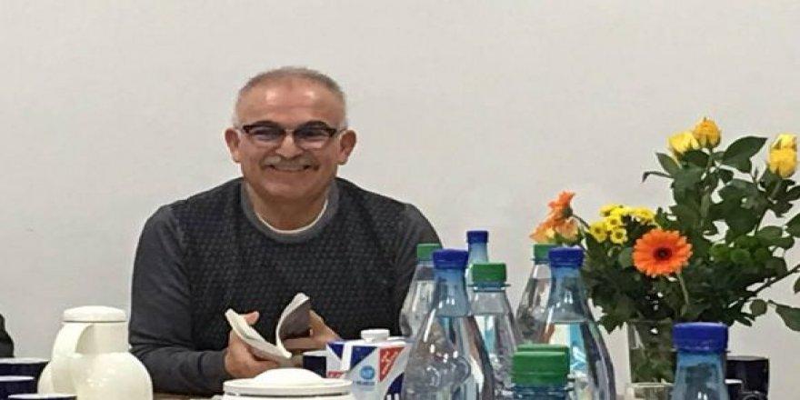 Dr. Fikret Yildiz: Ew ziman û çand bêxwedî ye û di devî gur de ye!