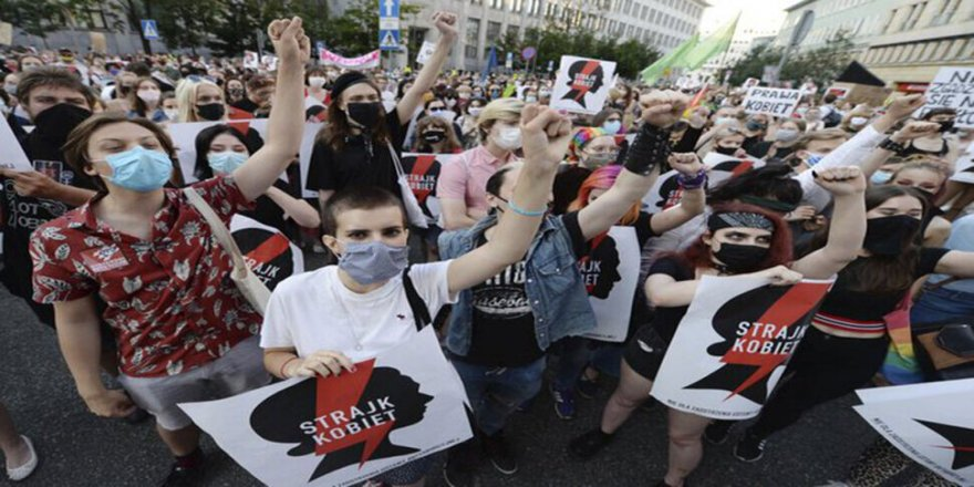 Li Polonyayê protestoya Peymana Stenbolê