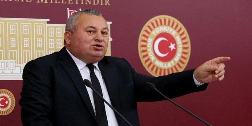 Rexne li AKPê kiribû ji MHPê hat îxraç kirin.
