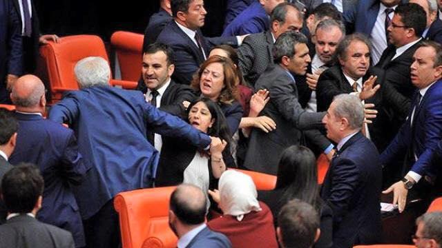 """PAK: """"Em Êrîşa Li Parlementerên HDPê Hatîye  Kirin Şermezar Dikin"""""""