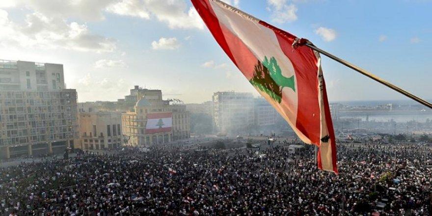 Hukmatê Lubnanî îstîfa kerd