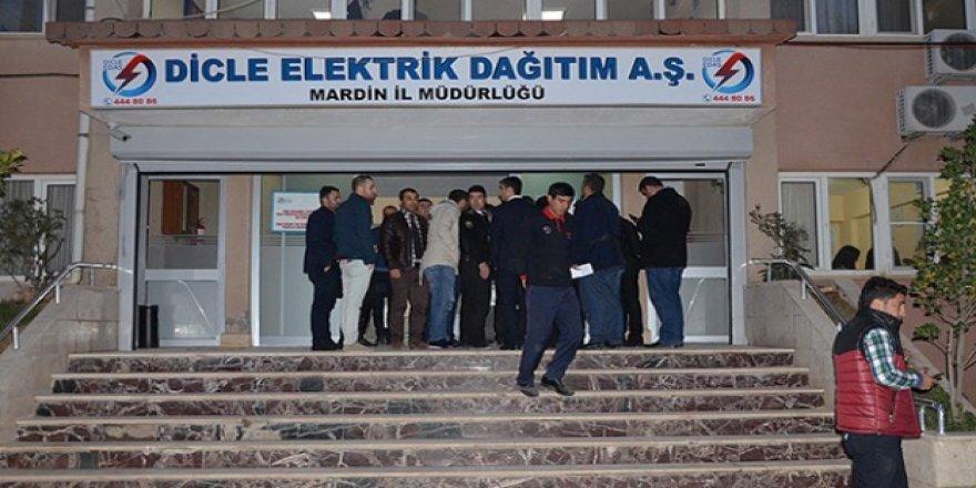 Ahmed Bedlek: Qutkirina elektîrîkê tenê li bajarên Kurdan heye