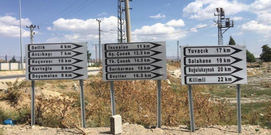 Dîsa tabelayên kurdî rakirin!