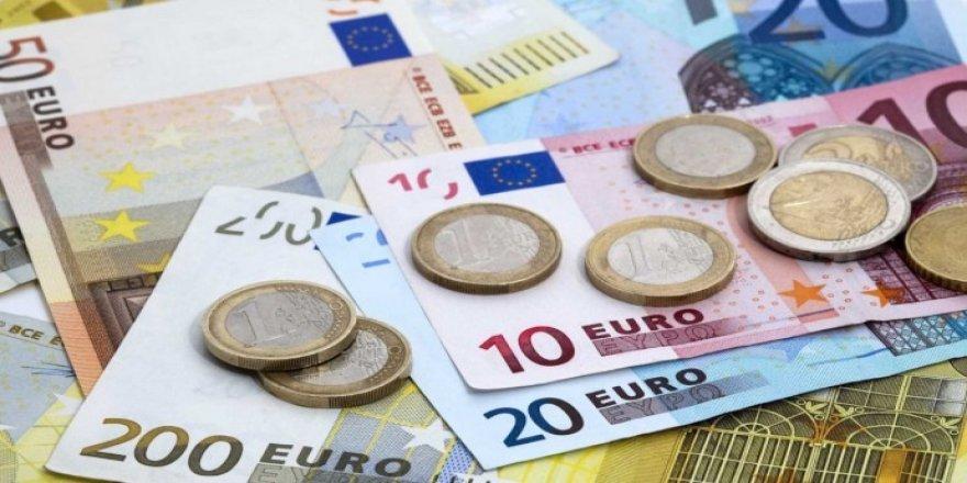 Piştî Dolar Euro jî derket asta reqorê