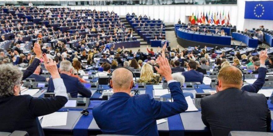 Parlementoya Ewropayê hîşyarî da Tirkiye