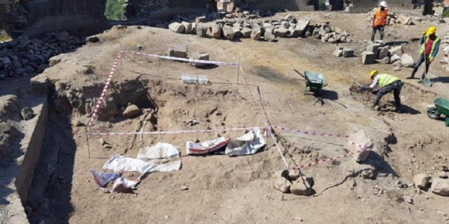Li nav sûrên Diyarbekir hestiyên mirovan hatin dîtin