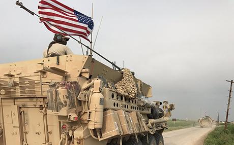 Amerîka leşkerên xwe li 'Sînorê Binxetê' bi cî kir!