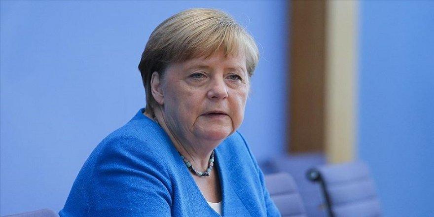 Merkel: Zêdebûna Pêketinên Nû yên Vîrusa Korona Fikaran Çêdike