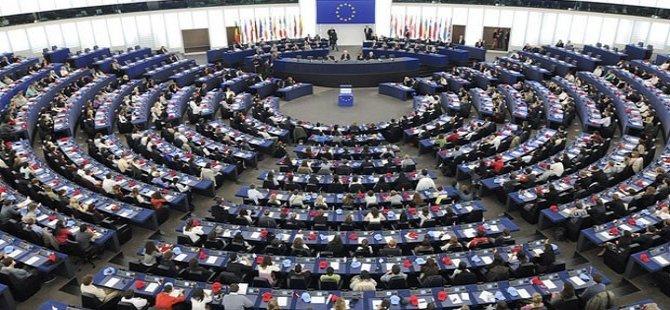 70 parlamenterên YE êrîşa Şingalê şermezar kirin!