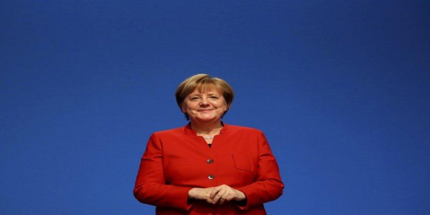 A. Merkel: Kurdên Êzdî di dilê min de ne..
