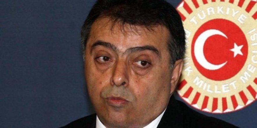 Wezîrê berê Osman Durmuş wefat kir