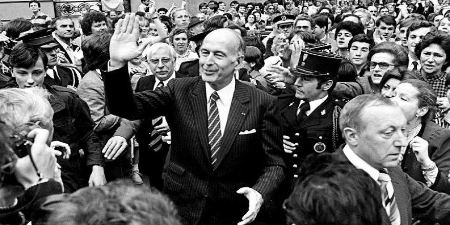 Serekomarê Fransa yo verîn Valery Giscard d'Estaing rîyê vîrusê korona ra merd.