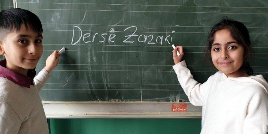 DEDEF: Wa şarê ma dersa weçînayî ya Kurdkîya Zazakî biweçîno