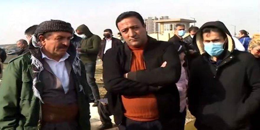 Penaberên Rojhilatê Kurdistanê li pêş baregeha NYê kom bûn