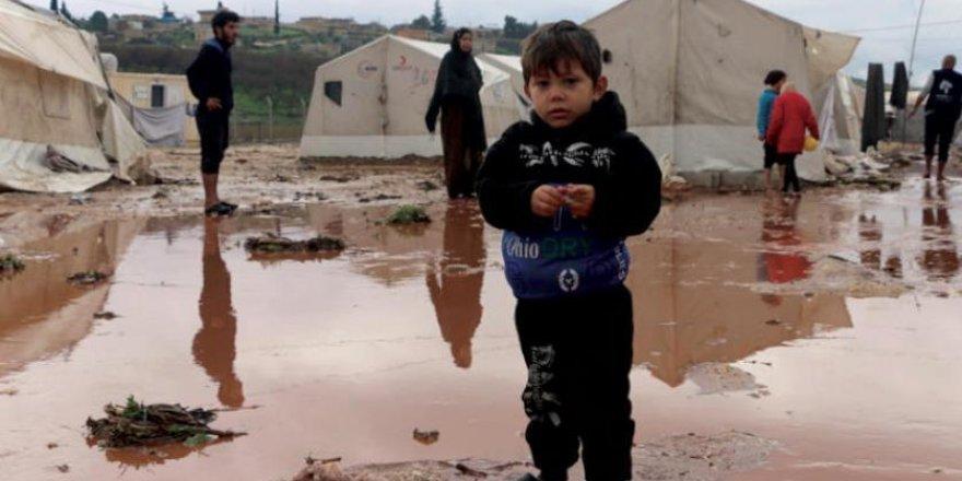 NY derbarê rewşa koçberên li kampên bakurê Sûriyê de hişyarî da