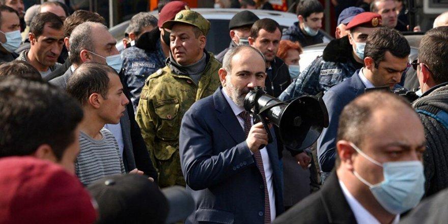 DYA: Divê li Ermenistanê artêş destkariyê li siyasetê neke
