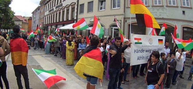 Almanya: Ahenga Serxwebûnê bi coş bû!