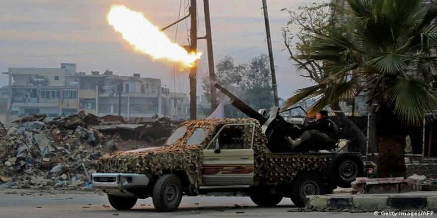 Di navbera YPGê û çekdarên girêdayî Tirkiyê de şer derket