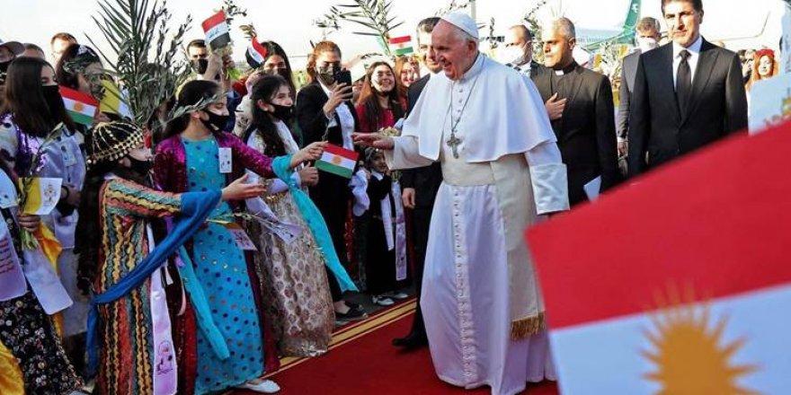 Papa Francis: Ji bo pêşwaziya germ spasiya gelê kurd dikim