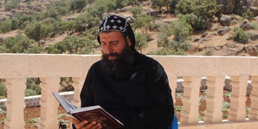 Keşîşê sûryanî Bîleçenî rê cezaya zîndanî ya 2 serran