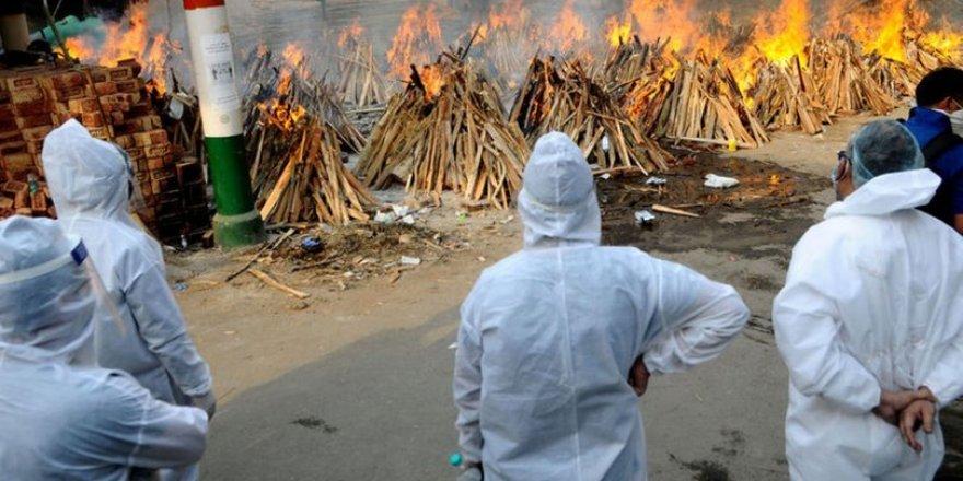 Hindistan: Di rojekê de 3 hezar û 438 kesên din ji koronayê mirin