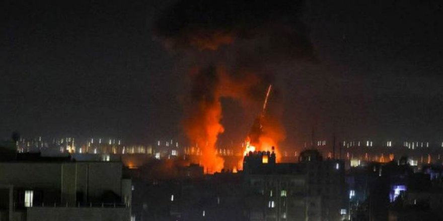 Îsraîlê pêgehên Hemasê li Xezeyê bombebaran kir
