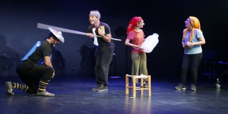 Kayê Don Kişotî Tîyatroyê Şaristanî yê Amedî de ame kaykerdiş