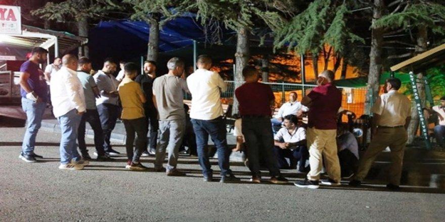 Êrîşên nijdarperest ên li dijî Kurdan ji aliyê 15 baroyan hatin şermezarkirin