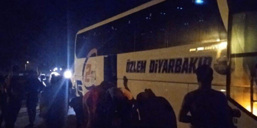Otobusa Amedî Antalya de raştê hêrişî amey