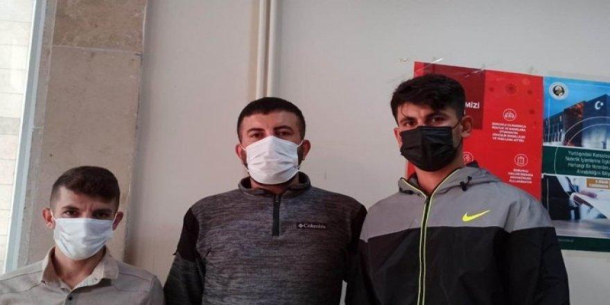 Li Duzceyê nijadperestan êrişî karkerên kurd kirin