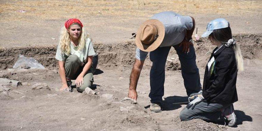 Li Girê Berazan hestiyên ku dîroka wê vedigere 600 sal berî niha hatin dîtin