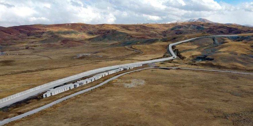 Tirkiyê 20 km din dîwarê li ser sînorê Îranê temam kir
