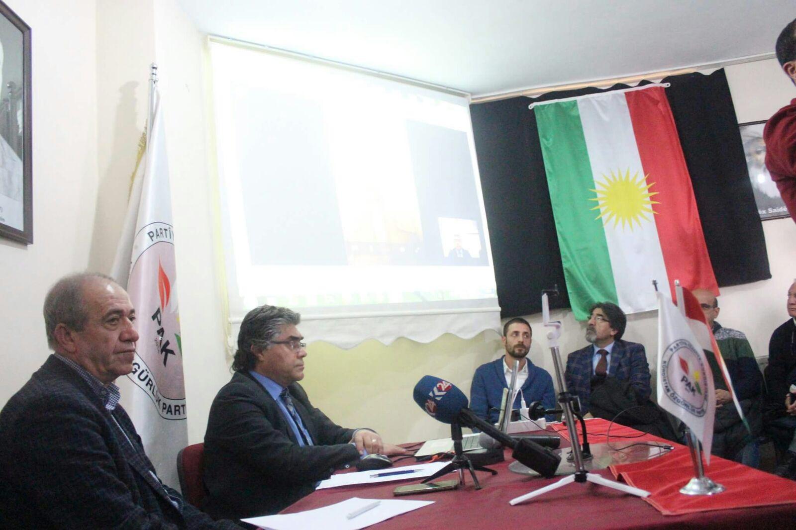 """Özçelik: """"Divê Alternatîfa Me 'Bloka Kurdî' Be!''"""