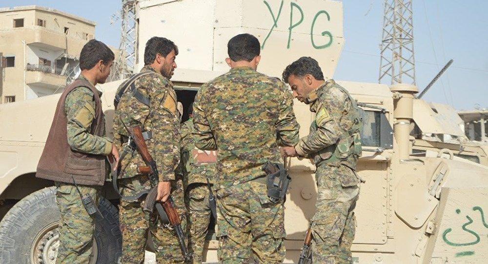 Fermandarê YPGê: Artêşa Tirkiyeyê hêj neketiye bosteke axa Efrînê