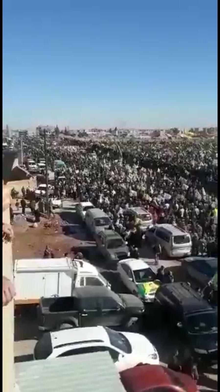 Bi hezaran Kurdên Qamişlo bo Efrînê meşiyan!