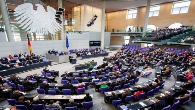 Parlamentoya Elmanyayê: Tirkiye sivîlan dikuje!