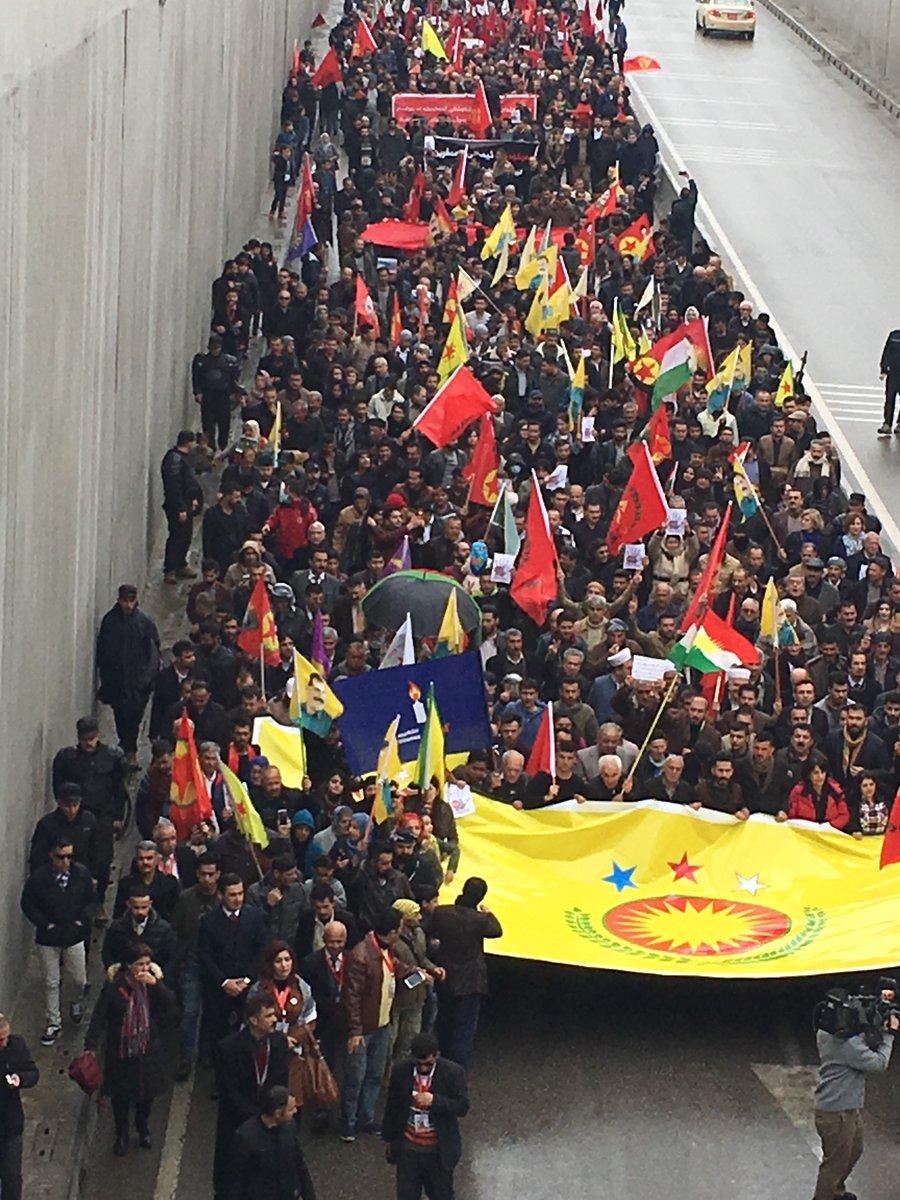 Gelê Başûrê Kurdistanê bo Efrînê daketin qadan