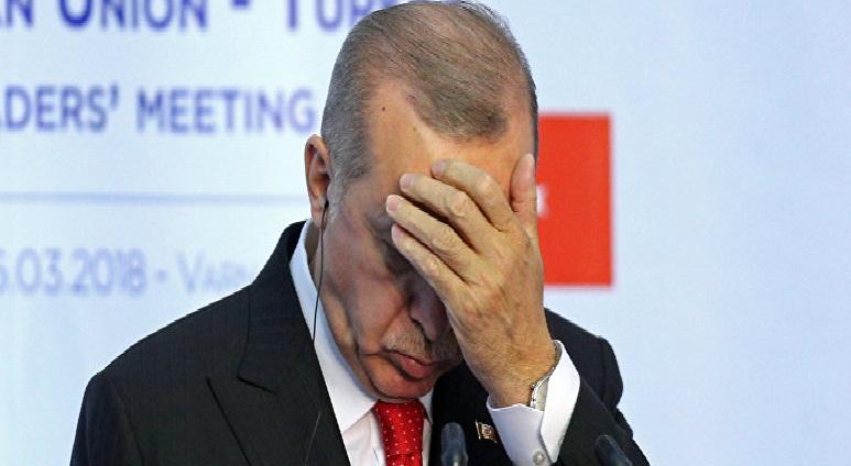 VÎDYO/ Prompter xerab bû, Erdoğanî nedikarî biaxive