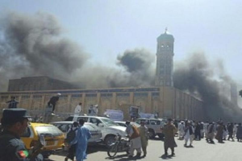 Li Afganîstanê êrîşeke xwekujî
